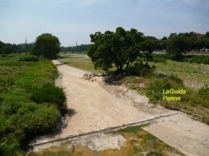 Parma torrente in estate