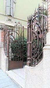 Cancello dell'ex mobilificio Guastalla