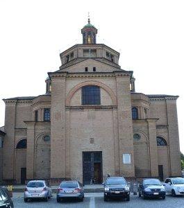 Pordenone a Piacenza: facciata di Santa Maria di Campagna